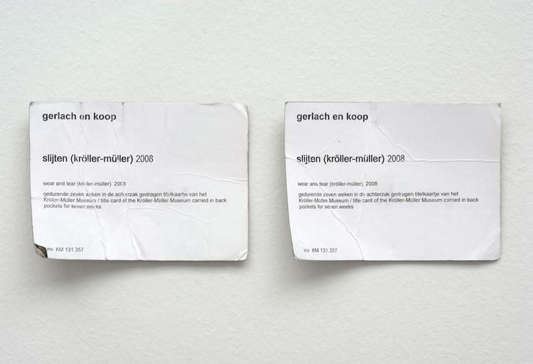 <i>slijten (kröller-müller)</i>, 2008, gedurende zeven weken in de achterzak gedragen titelkaartjes van het Kröller-Müller Museum, 103 x 144 mm